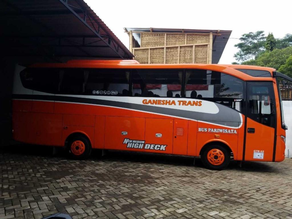sewa bus malang terbaik